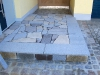 Granitbruchplatten gelb / grau als Eingangspodest