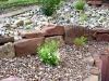 Steingutanlage aus verschiedenen Materialien in Aura