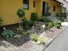 Vorgarten mit Trockenbachlauf in Garitz